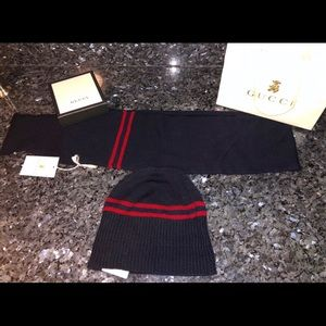 Authentic Gucci knit hat and scarf